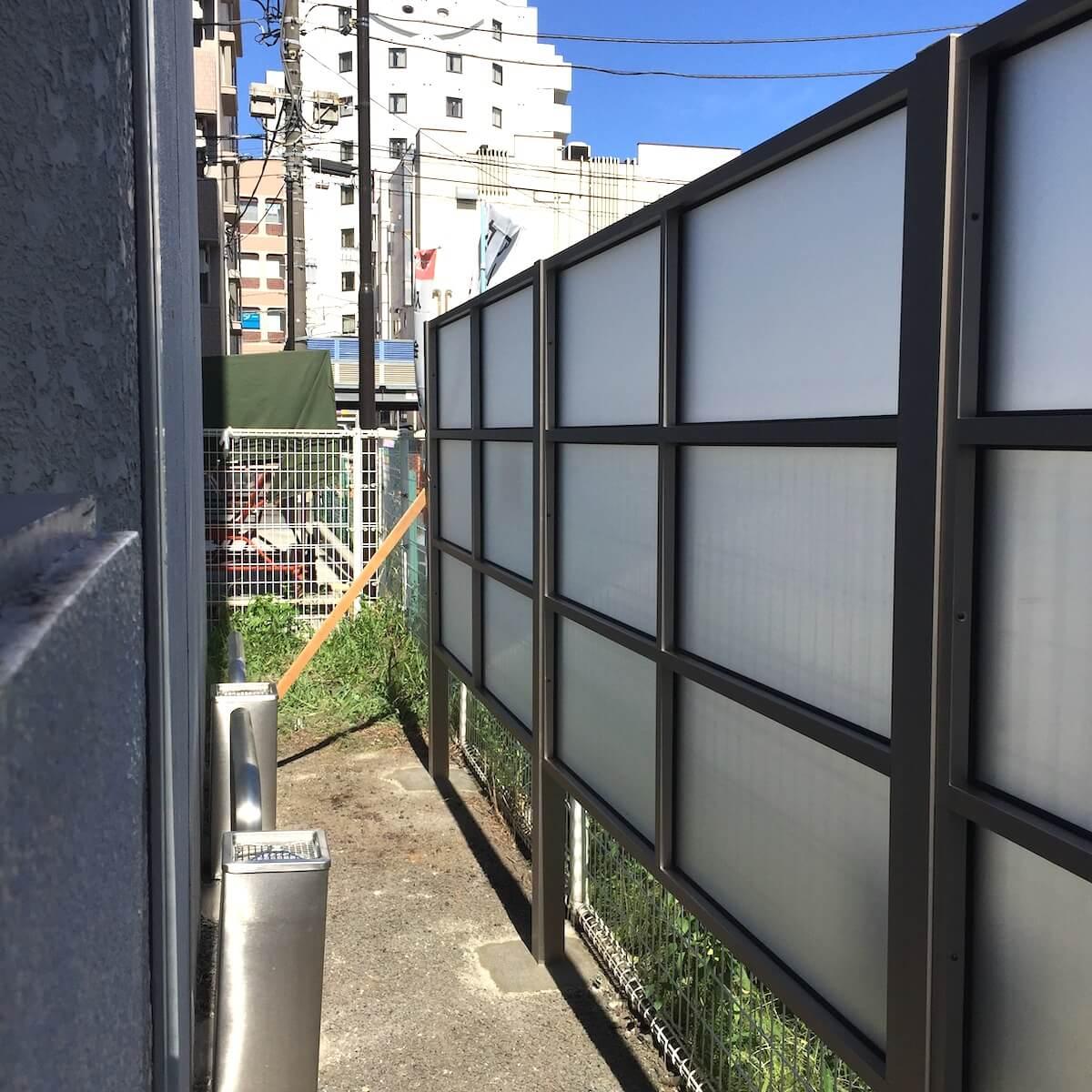 屋外パーテーション施工事例